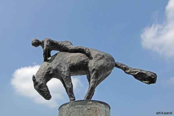 Stele Pferd